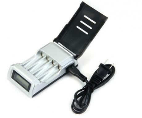 Интелигентно зарядно за акумулаторни /презареждаеми/ батерии 3