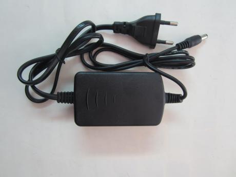 захранващ адаптор 12V, 1.25A 1